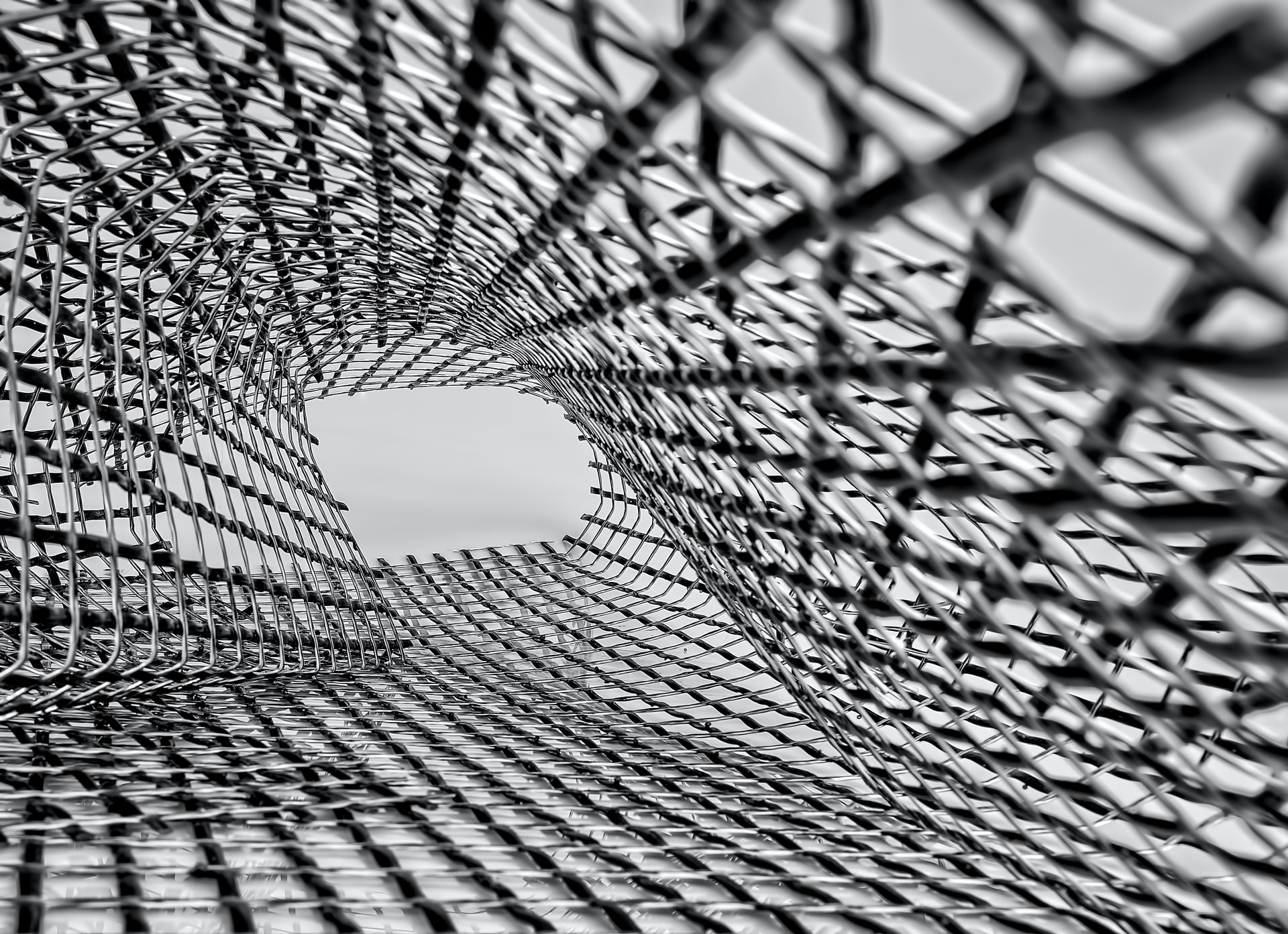 Secrets of Fabrication: How Is Galvanised Wire Mesh Made?